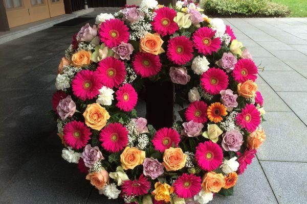 Claudias-Blumenzauber-Trauerfloristik-Trauerkraenze-Florist-Tirol16