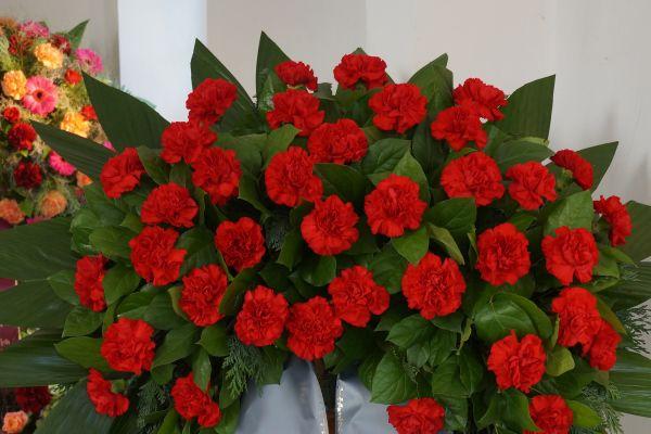 Claudias-Blumenzauber-Trauerfloristik-Trauerkraenze-Florist-Tirol20