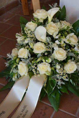 Claudias-Blumenzauber-Trauerfloristik-Trauerkraenze-Florist-Tirol28