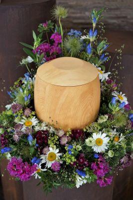 Claudias-Blumenzauber-Trauerfloristik-Trauerkraenze-Florist-Tirol30