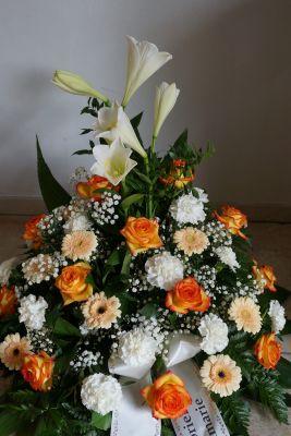 Claudias-Blumenzauber-Trauerfloristik-Trauerkraenze-Florist-Tirol35