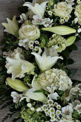 Claudias-Blumenzauber-Trauerfloristik-Trauerkraenze-Florist-Tirol36