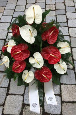 Claudias-Blumenzauber-Trauerfloristik-Trauerkraenze-Florist-Tirol39