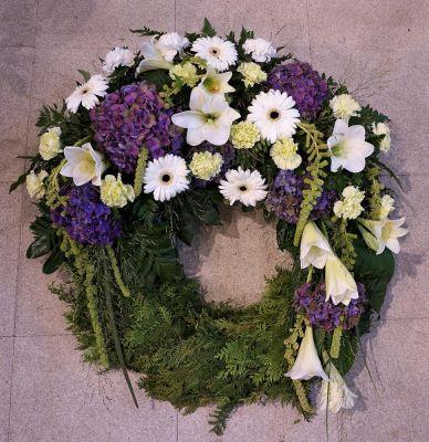 Claudias-Blumenzauber-Trauerfloristik-Trauerkraenze-Florist-Tirol7